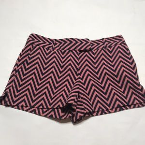 "LOFT Shorts - Loft ""The Riviera Short"" Chevron Size 0"